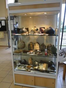 vitrine d'objets de la 1er guerre