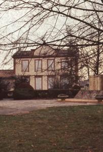 Mairie de Flourens dans les années 1980, avant restauration
